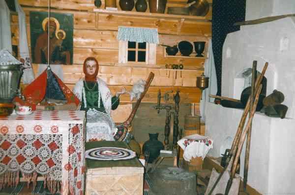 Экспозиции: Сибирская крестьянская изба 8-19вв.