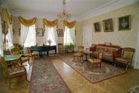 Экспозиции: Барский дом. Зала