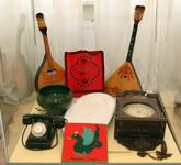 Дни дарений.2009 г..  Стенд с предметами, подаренными Национальному музею РТ