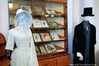 Фрагмент экспозиции Мода в открытом доступе: от первых листов до Fashion House каталогов. 2013 г.
