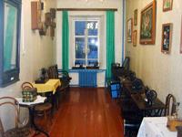 Экспозиция отдела старинной мебели