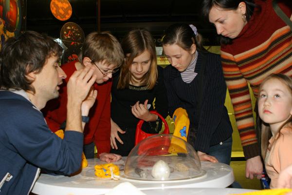 Экспозиции: Празднование 100-летия Дарвиновского музея