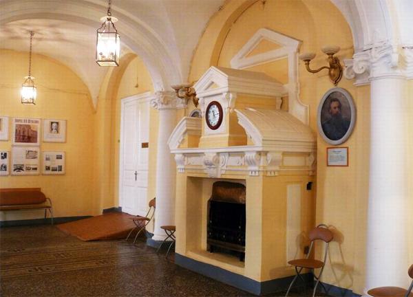 Экспозиции: Вестибюль дворца