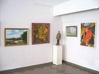 Фрагмент выставки к 50-летию создания Общества воткинских художников