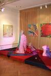 Вид экспозиции выставки работ О.Козловой и Ю.Леонова