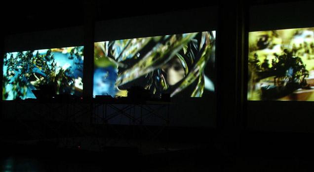 Экспозиции: Выставка «Движение образа и образ движения»: скульптуры Андрея Сикорского и видеоинсталляции XI международного фестиваля анимационных искусств «Мультивидение»