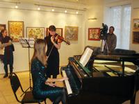 Живая музыка в галерее