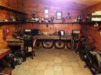 Инсталяция мастерской-гаража
