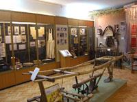 Фрагмент экспозиции. Плуг деревянный. XVII в.