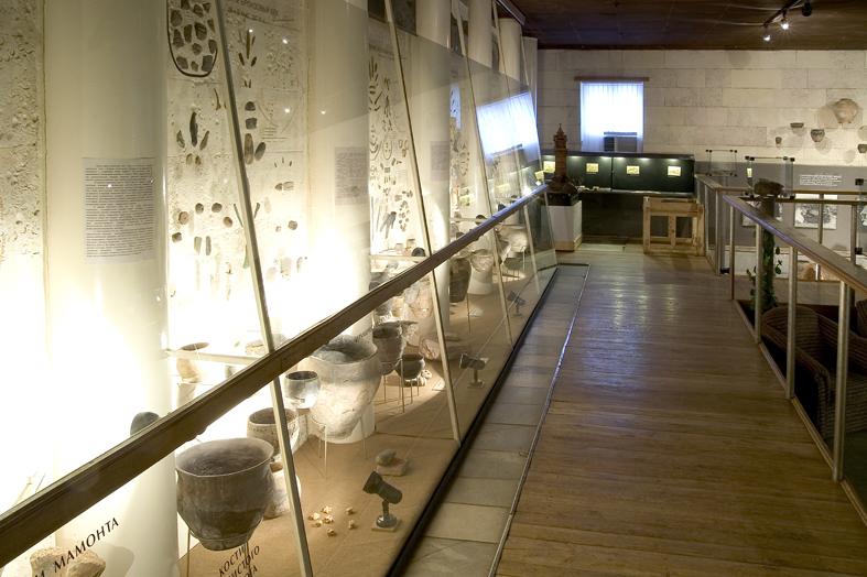 Экспозиции: Археологическая экспозиция