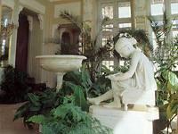 Экспозиции: Интерьеры дворца