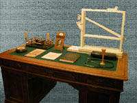 Письменный стол с дубовой столешницей. 1930-е гг.