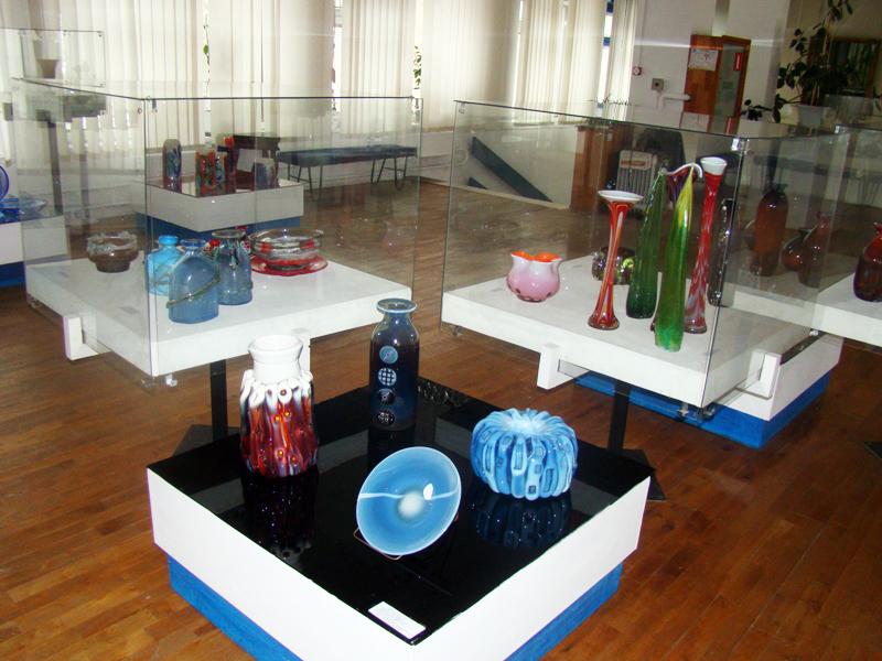 Экспозиции: Зал декоративно-прикладного искусства