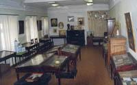 Основной зал музея, посвященный дореволюционным предпринимателям, меценатам, благотворителям.