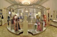 Экспозиции: Зал  Искания театра эпохи Серебряного века» Фотограф Вилий Оникул