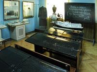 Интерьер гимназии на выставке Учились в губернской Астрахани