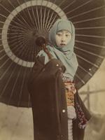 Девушка  с зонтом дзяномэ-гаса.