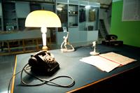 Фрагмент экспозиции Стол Левитана