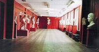 Выставочный зал Академического художественного лицея им. Б.В.Иогансона.