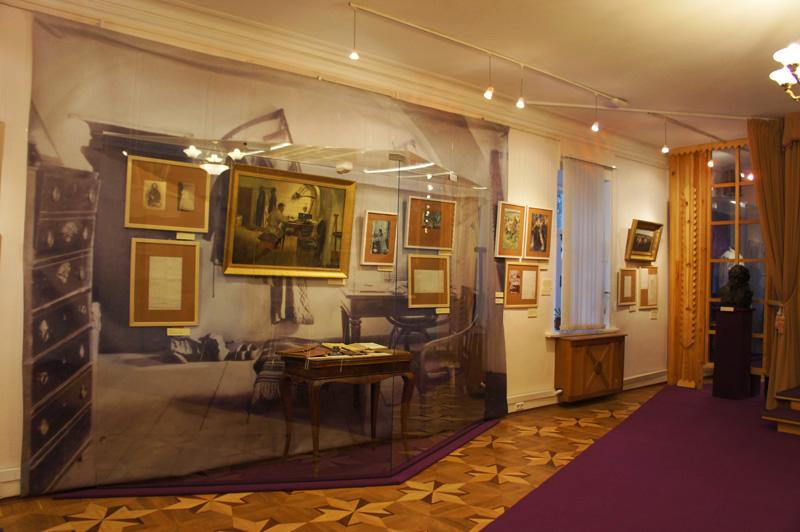 Экспозиции: Толстовский центр на Пятницкой-12. Экспозиция
