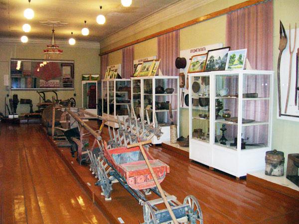 Экспозиции: Зал быта и ремесел