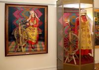 Музейная композиция к картине Пряха