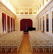 Белый зал Музея музыки в Шереметевском дворце