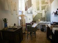 Интерьер кухни в коммунальной квартире. Ленинград. 1920-1930-е гг.