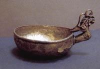 Ковш с ручкой в виде протомы дракона, XIII, Золотая Орда