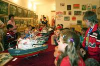 На выставке Детство, творчество, мастерство. 2008 г. Фото Т.Н. Котляр