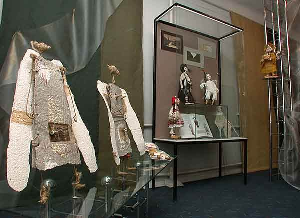 Экспозиции: Куклы Петербурга в Волгограде