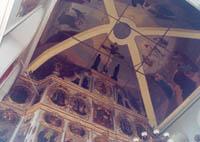 Фрагмент экспозиции в Богоявленской церкви (музей древнерусского искусства).