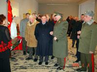Губернатор Московской области Б.В. Громов и генерал  армии В.И. Варенников. 2003 г.