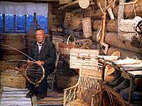 Внутренний вид павильона плетение