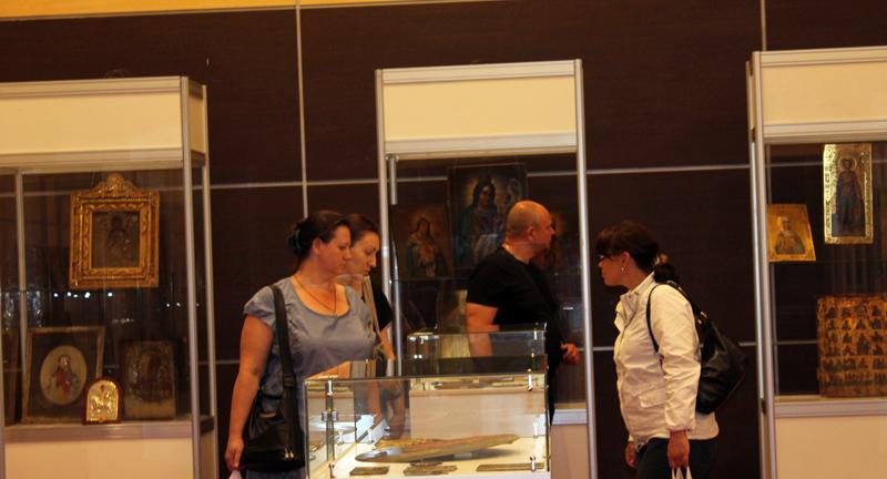 Экспозиции: На выставке  «Православная Русь» представлена  уникальная  музейная коллекция