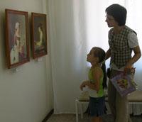 В выставочном центре Радуга  новая экспозиция  - Мир детства в живописи