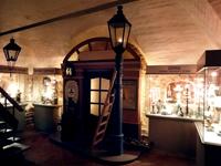 Фрагмент экспозиции, посвященной керосиновому освещению