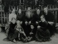 А.С. Попов в доме у своих родителей в г. Богословске на Урале