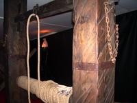 На выставке Инквизиция. Средневековые орудия пыток в Петропавловской крепости