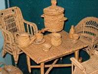 Экспозиции: Плетеная игрушечная мебель (мастерские Голицыных, австрийская технология). Фото Е.Бабичевой