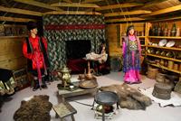 Выставка Национальные мотивы в искусстве Тывы и Хакасии