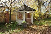 Детский домик в парке