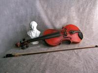 Бюст Ф. Шопена и скрипка, 1898 г., Лондон