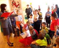 Дети дают урок дружбы в Кургане