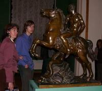 На выставке М. Козловского в Русском музее