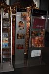 Стенд с полиграфической продукцией галереи
