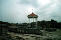 Часовня 1997 г. на месте средневекового комплекса