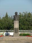 Бронзовый бюст А.Г. Николаева
