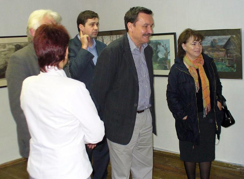Значимые места: Кинорежиссер Вадим Абдрашитов с женой в выставочном зале