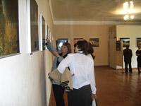 Выставка В. Богдановского Красивейшие места мира в выставочном зале музея